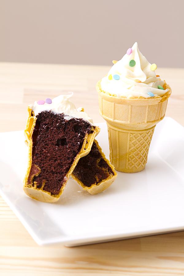 Tummy Tuesday! Ice Cream Cone Cakes